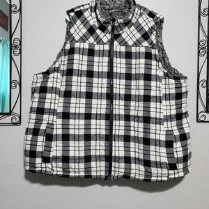 Maurices size 4 reversible vest